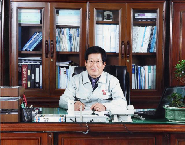 국인산업 대표이사 박무웅2.jpg
